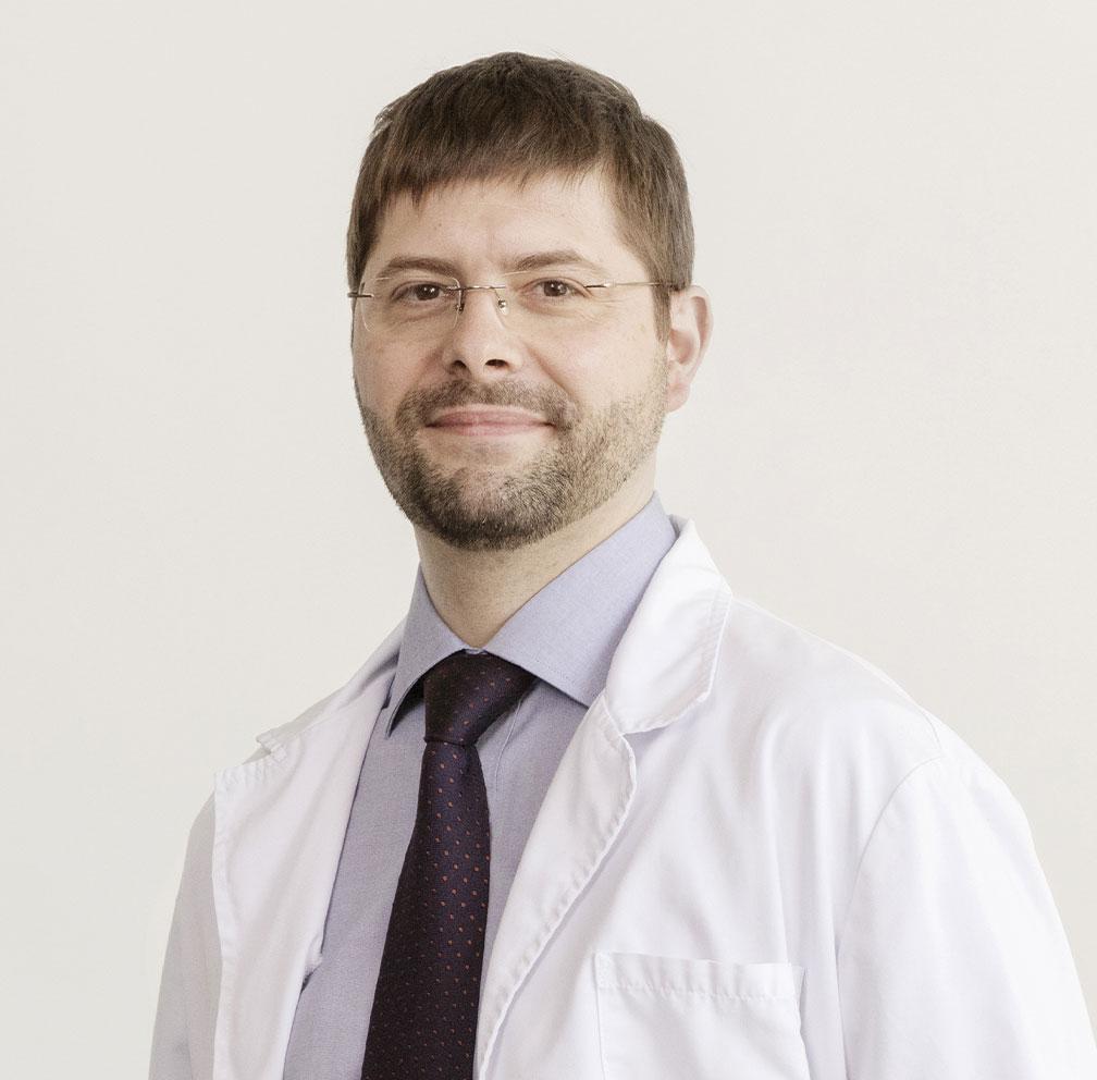 Dr. Moisés Ríos